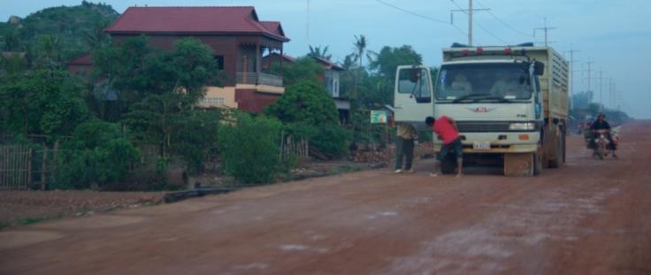 cambodiaredroad2